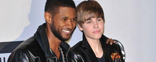 Usher und Justin Bieber bei den AMAs