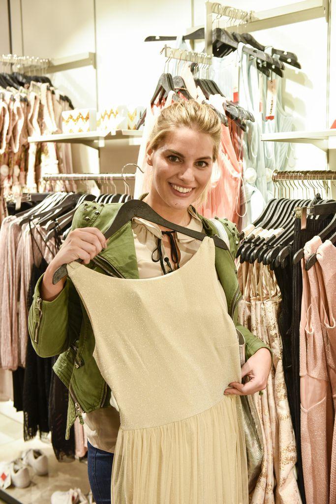 Angelina Kirsch Promi Shopping Queen