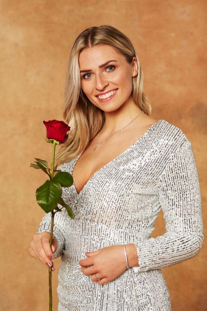 Der Bachelor 2021 Laura - Bachelor 2021 Das Sind Die Promi ...