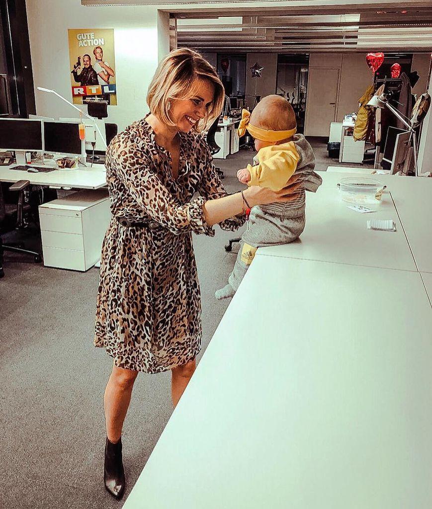 Bestbewertet echt neueste auswahl weltweit bekannt Moderatorin Sandra Kuhn über ihr Familienglück mit Baby Leni ...