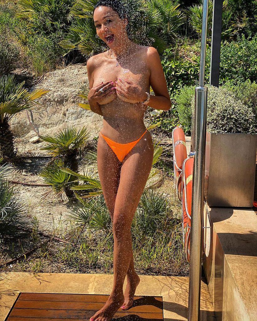 Brüste nackt pooth verona Verona pooth