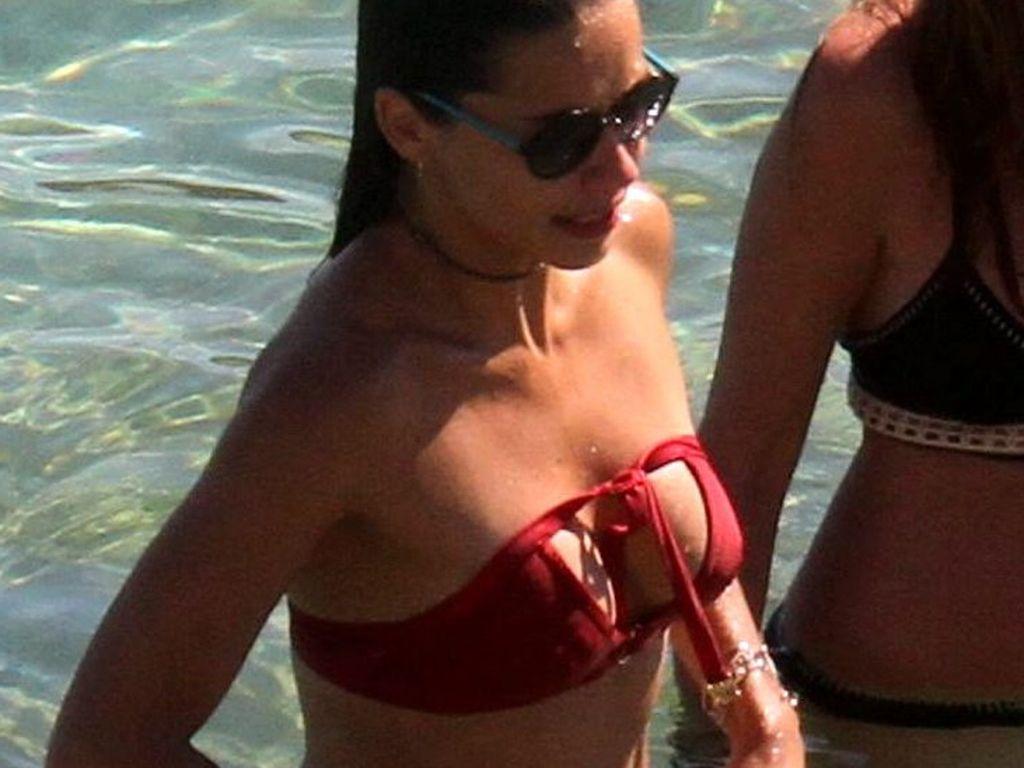 Adriana Lima in Griechenland