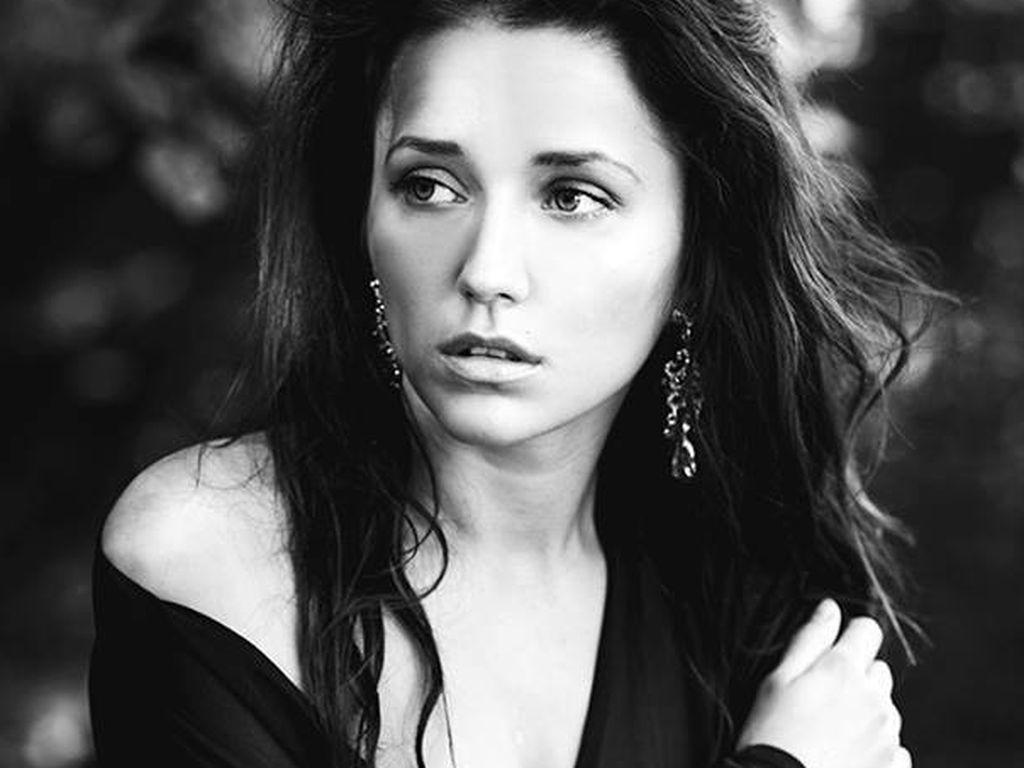 Anastasiya Avilova Nude Photos 21