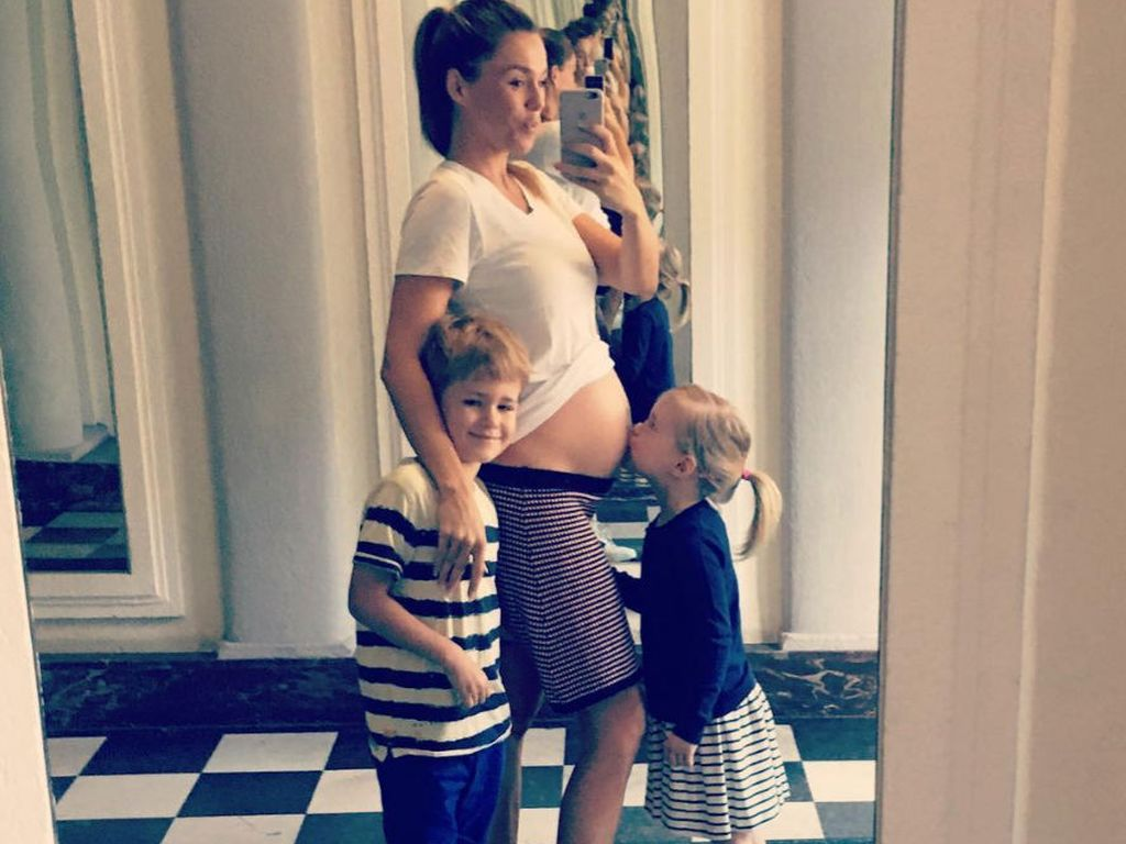 Angelina Posth mit ihren Kindern Leon und Milla