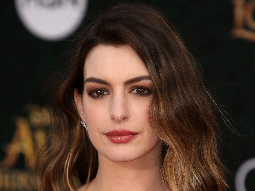Anne Hathaway bei einer Filmpremiere in Los Angeles, 2016.