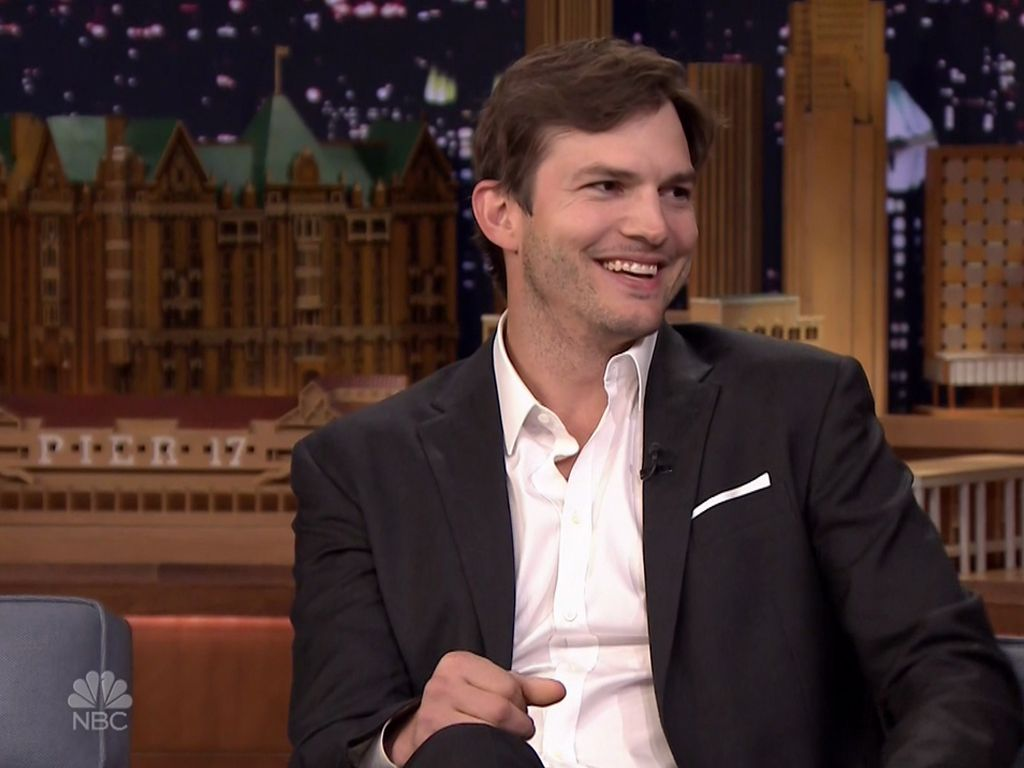Ashton Kutcher zu Gast bei Jimmy Fallon