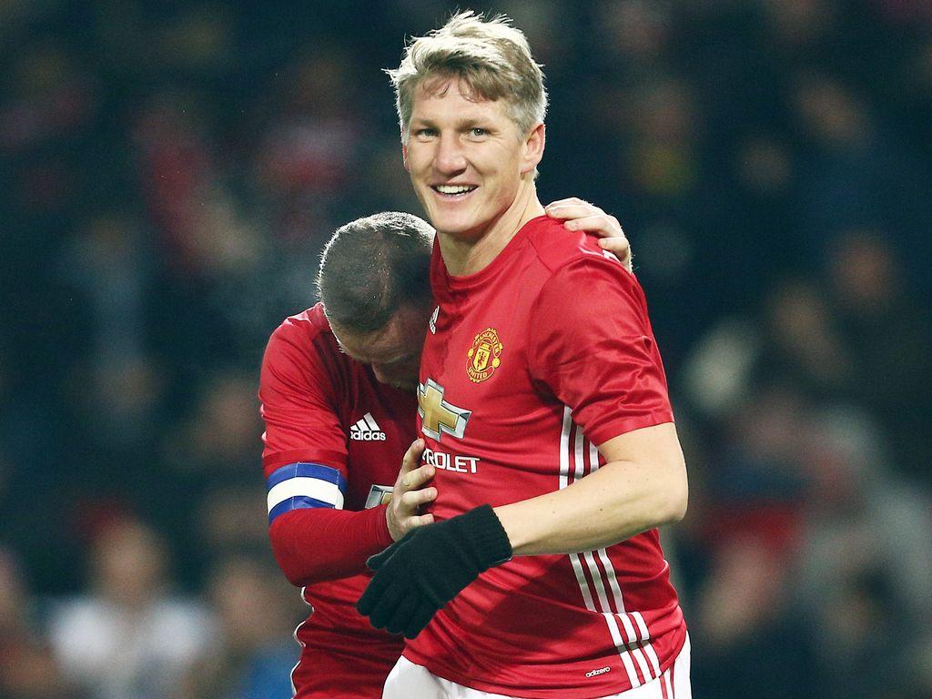 Bastian Schweinsteiger und Wayne Rooney beim Spiel in Old Trafford