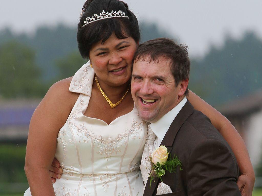 Bauer Josef bei seiner Hochzeit mit Narumol