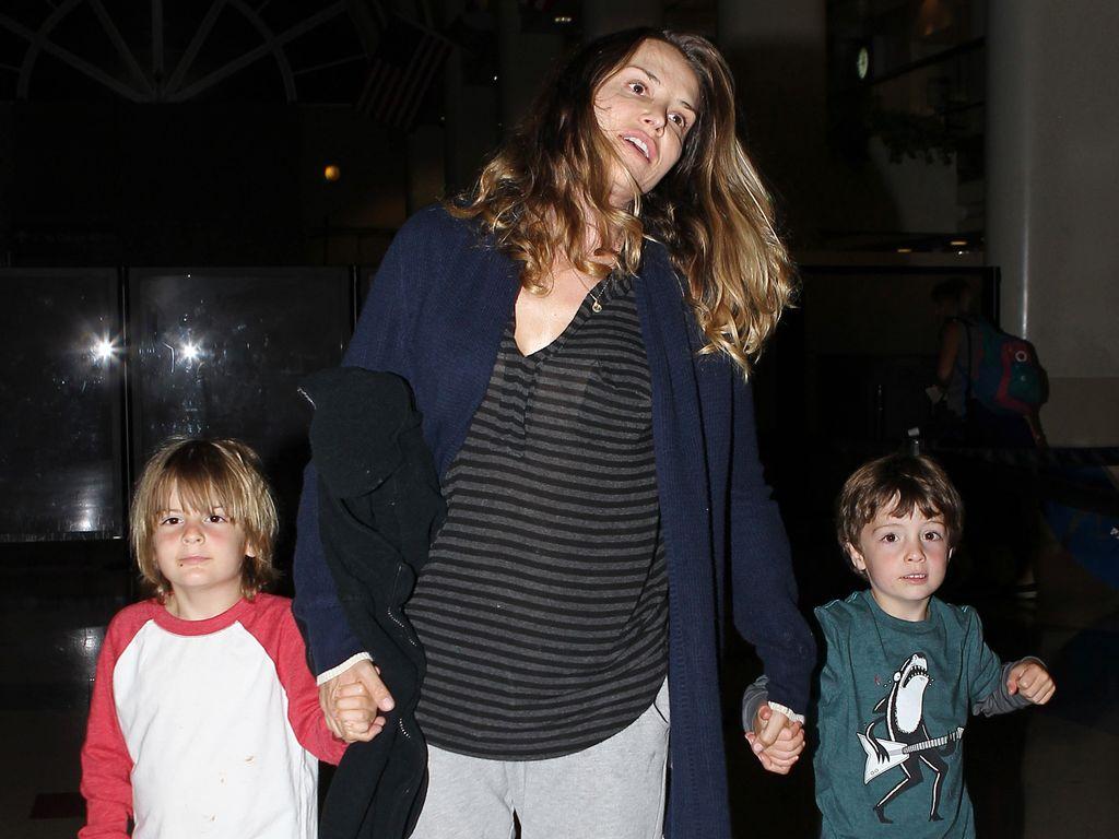 Brooke Mueller mit den Kindern Max und Bob Sheen