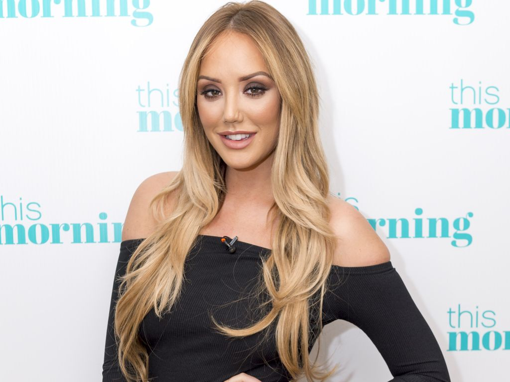 "Charlotte Crosby stellt ihr Buch ""Live Fast Lose Weight"" in London vor"