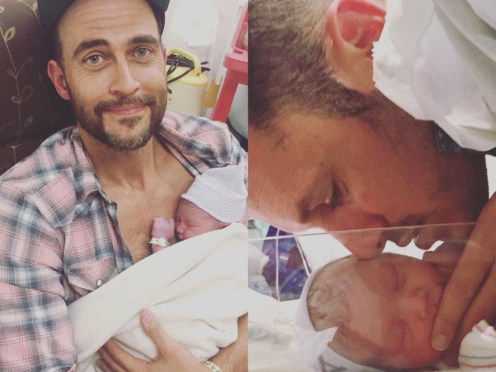Cheyenne Jackson und Jason Landau mit ihren Babys Willow und Ethan