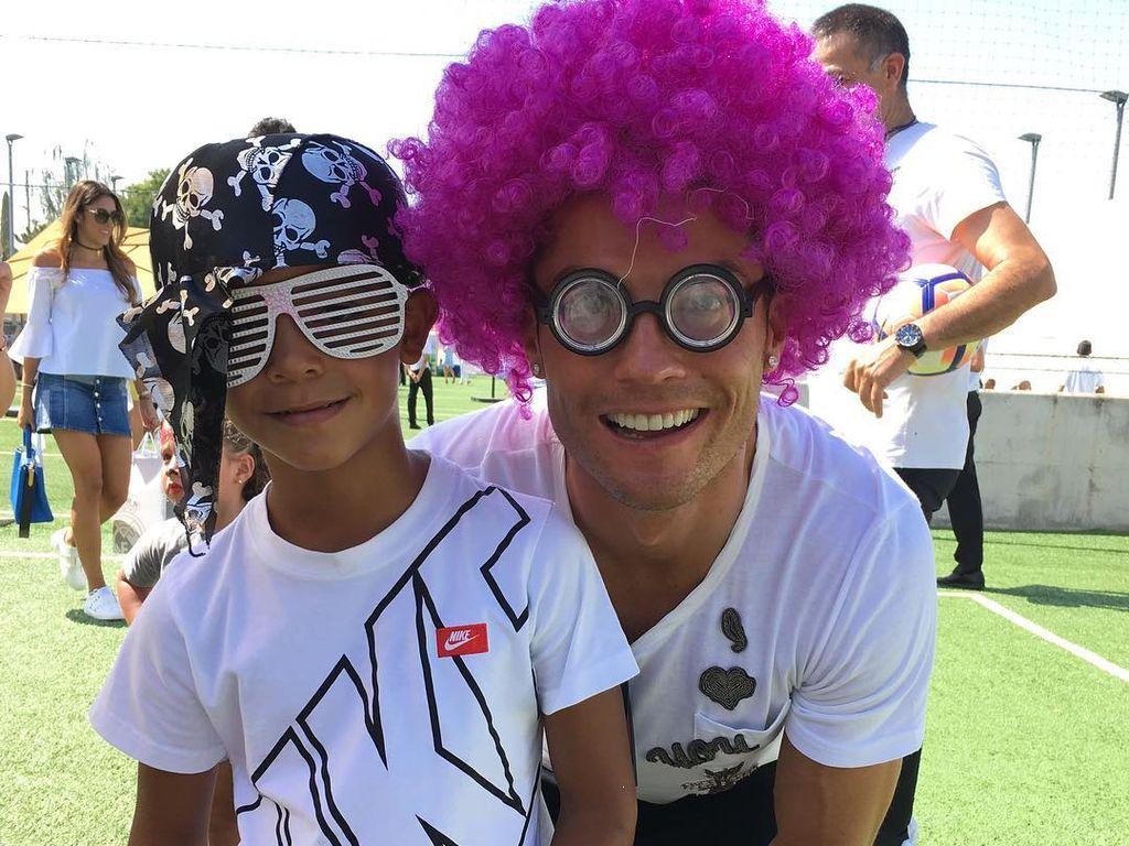 Cristiano Ronaldo mit seinem Sohn