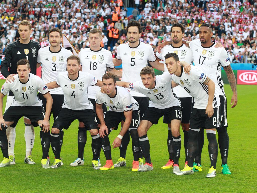 Deutsche Nationalmannschaft beim EM-Spiel Deutschland gegen Polen