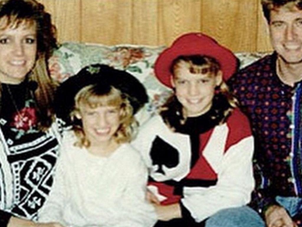 Ashlee Simpson und Jessica Simpson mit ihren Eltern