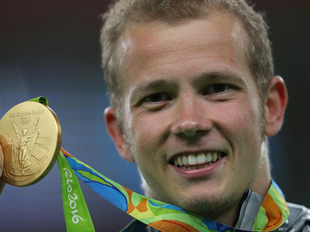 Fabian Hambüchen mit seiner Goldmedaille bei Olympia 2016