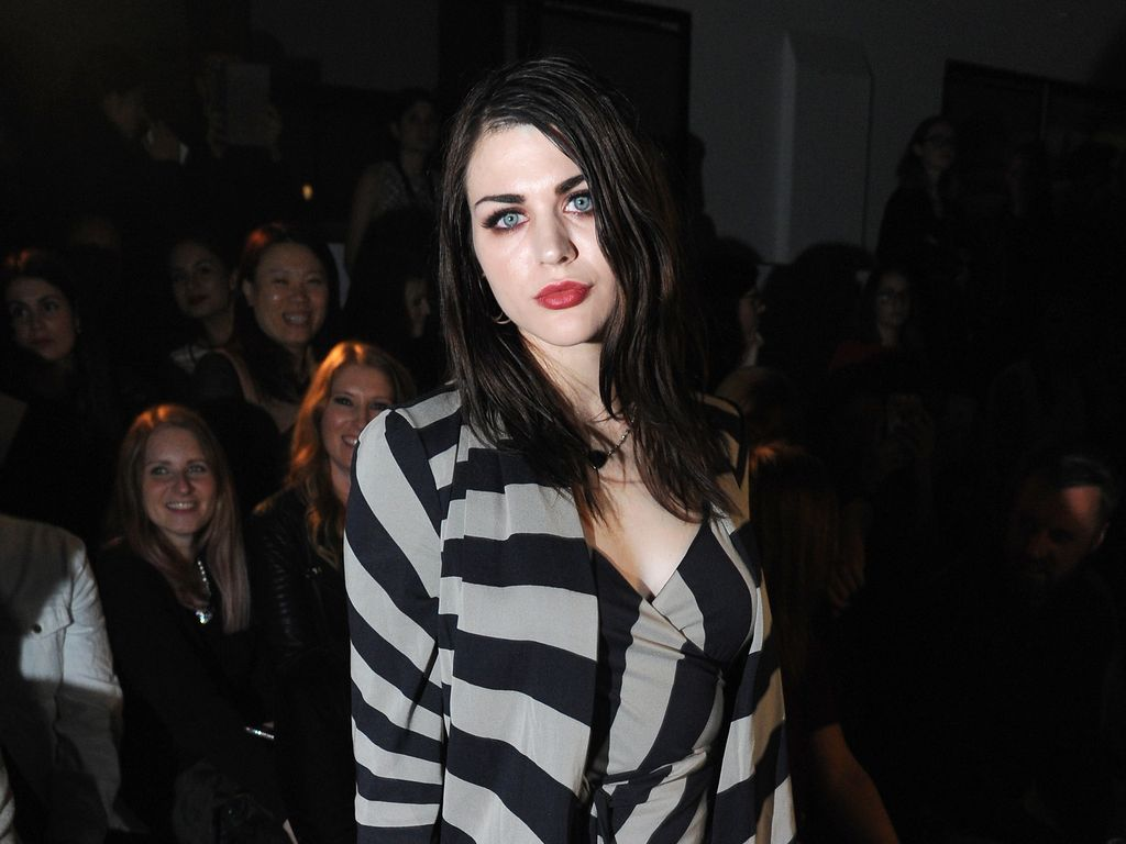 Frances Bean Cobain bei der Gareth Pugh Show auf der London Fashion Week