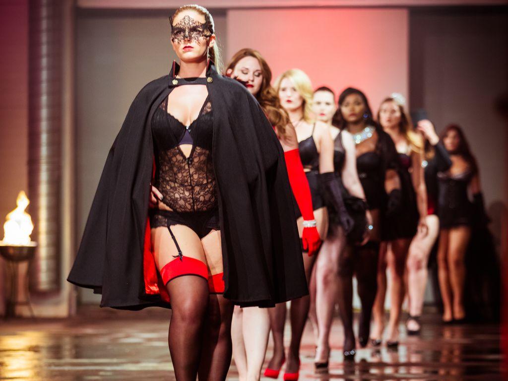"""Die """"Curvy Supermodel""""-Kandidatinnen in Dessous"""