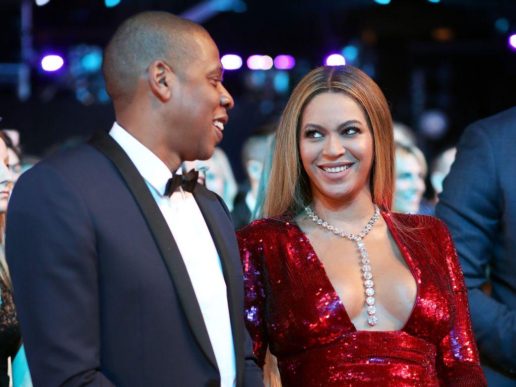 Jay-Z und Beyoncé bei der Verleihung der Grammys 2017