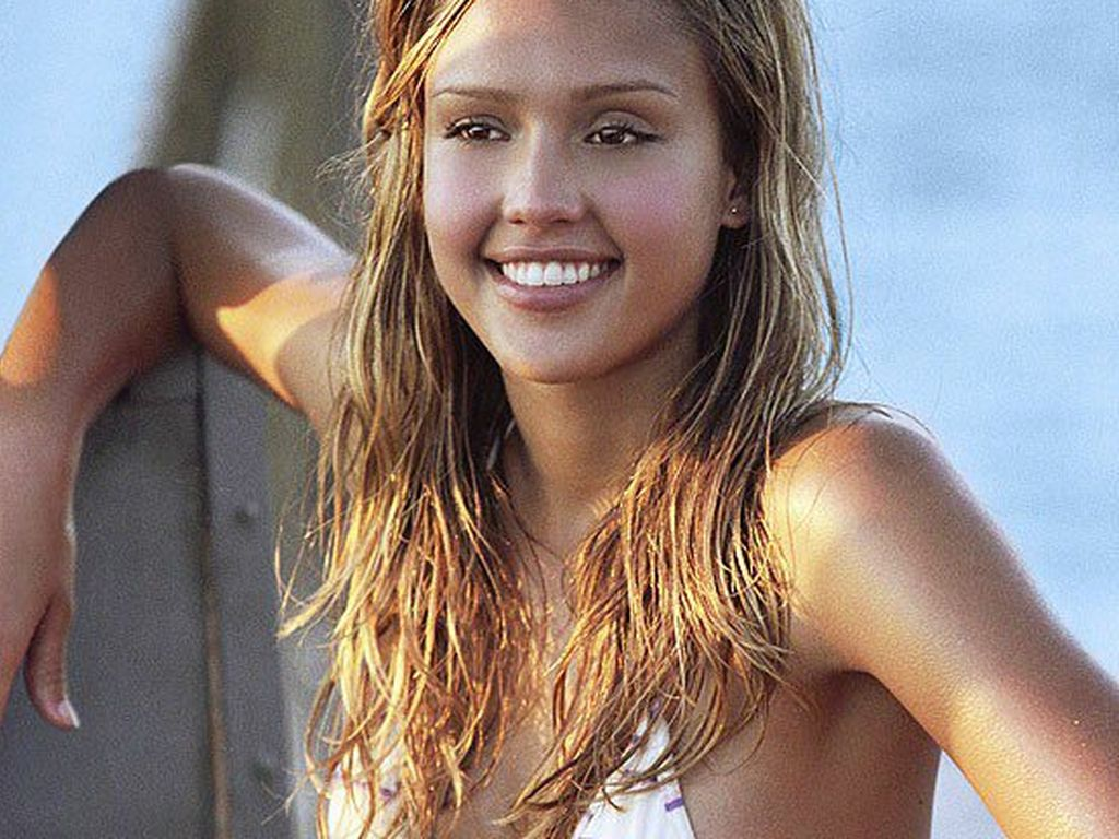 "Jessica Alba im Film ""Into The Blue"""