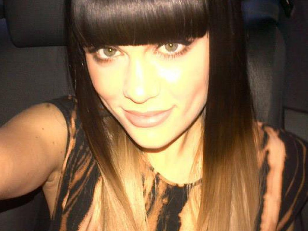 Jessie J mit blonden Haarspitzen