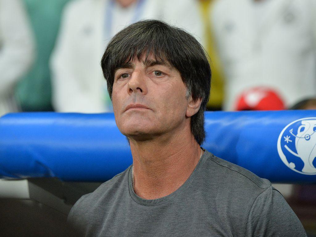 Joachim Löw beim ersten Gruppen-Spiel Deutschlands