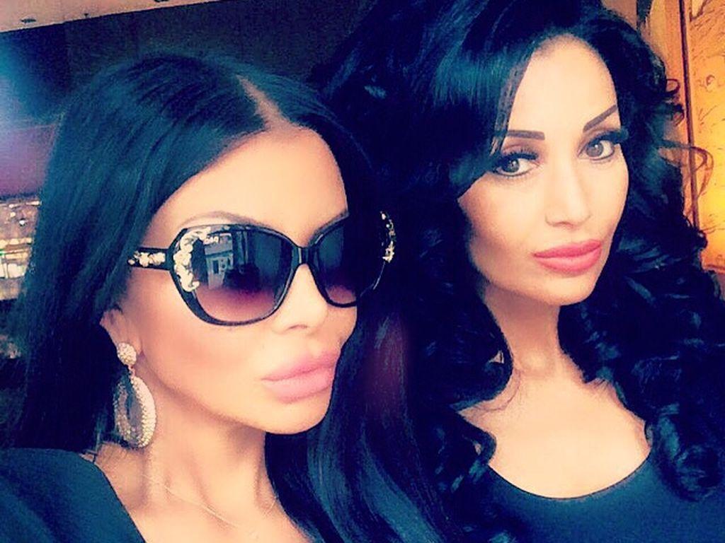 Kader Loth und ihre jüngere Schwester Eren