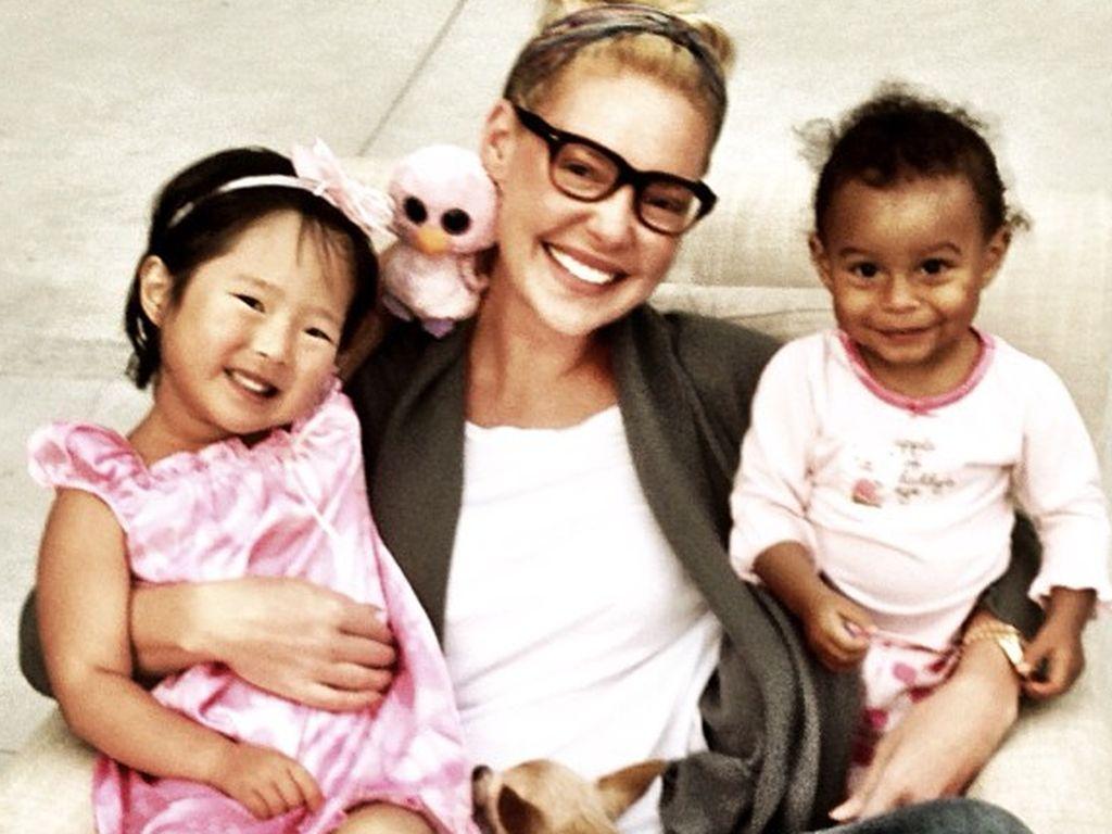 So süß ist Katherine Heigls kleine Familie! | Promiflash.de