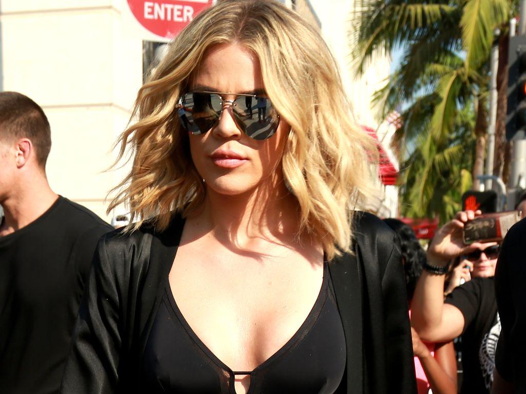"""Khloe Kardashian beim Dreh von """"Keeping up with the Kardashians"""" am Rodeo Drive in Beverly Hills"""