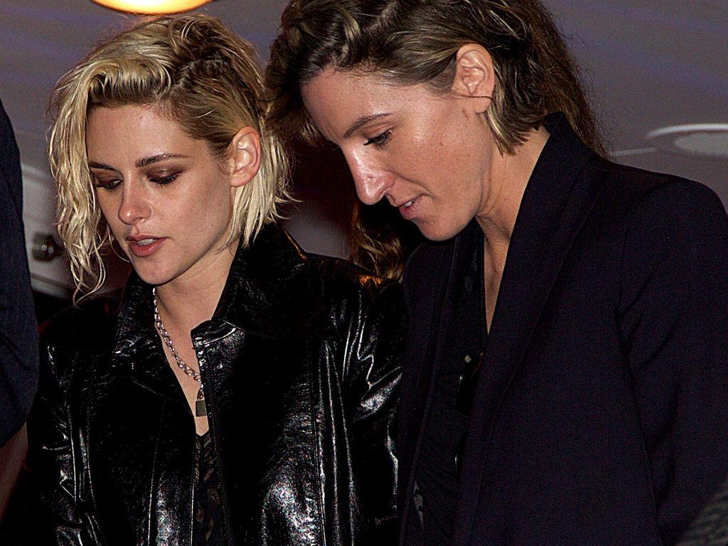 Kristen Stewart und Alicia Cargile in Cannes 2016