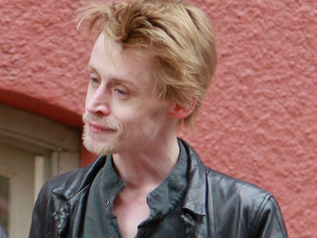 Macaulay Culkin in Lederjacke