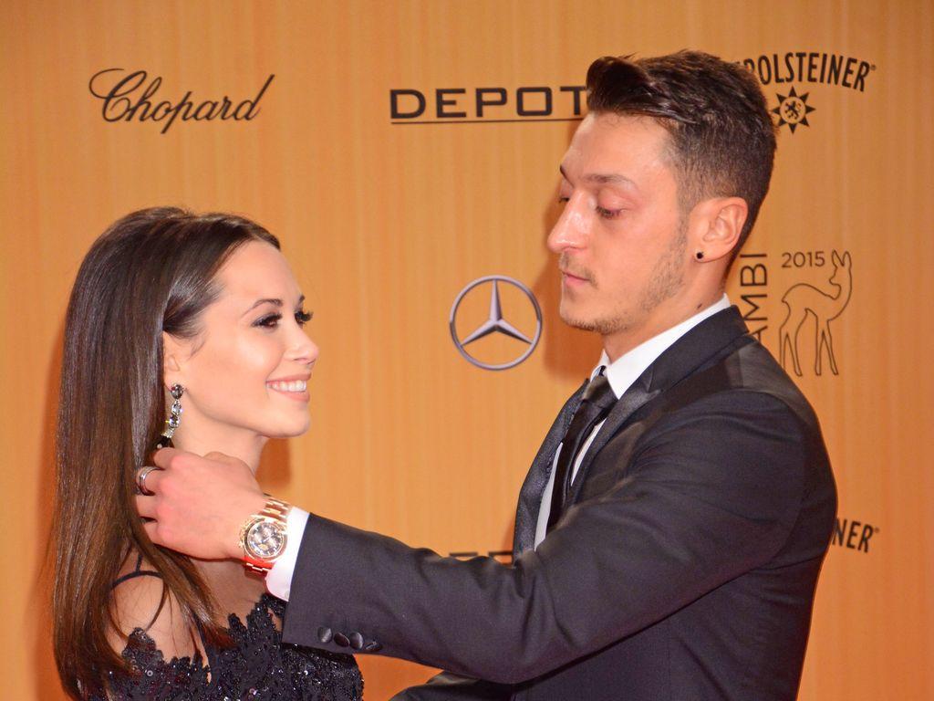 Grace Caprisot und Mesut Özil beim Bambi 2015