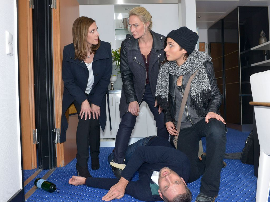 Eva Mona Rodekirchen, Linda Marlen Runge, Dieter Bach und Ulrike Frank