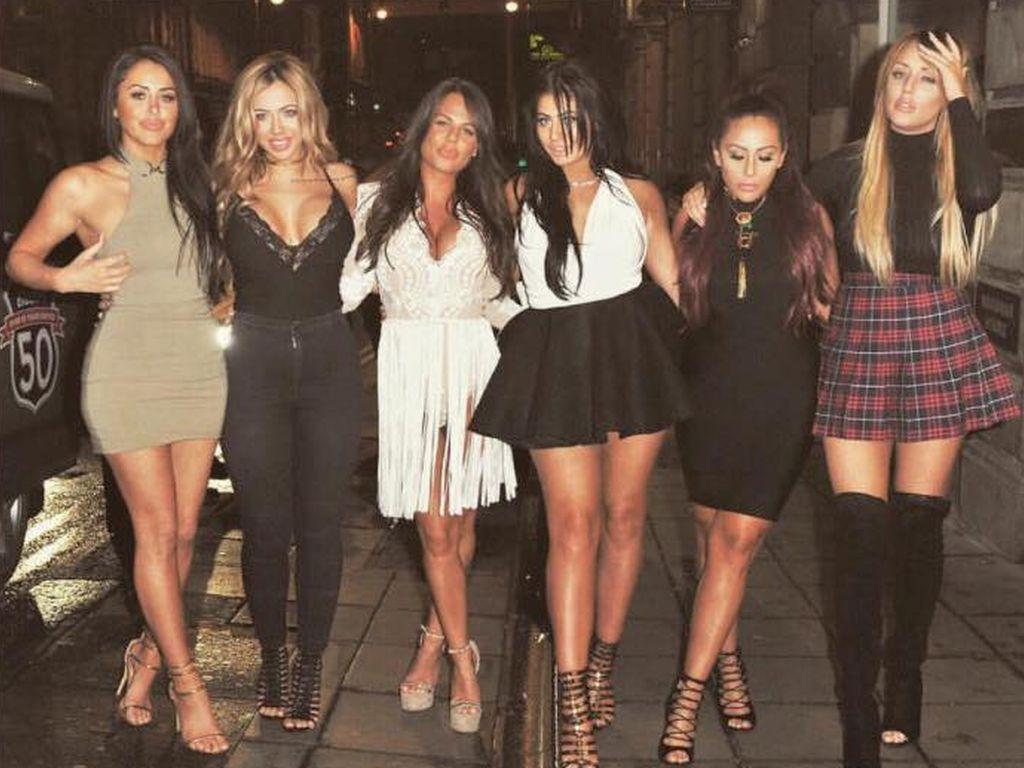 Marnie Simpson, Holly Hagan, Chantelle Connelly, Chloe Ferry, Sophie Kasaei  und Charlotte Crosby