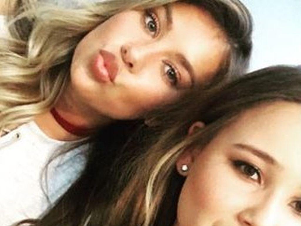 Montana Yorke mit einer Freundin