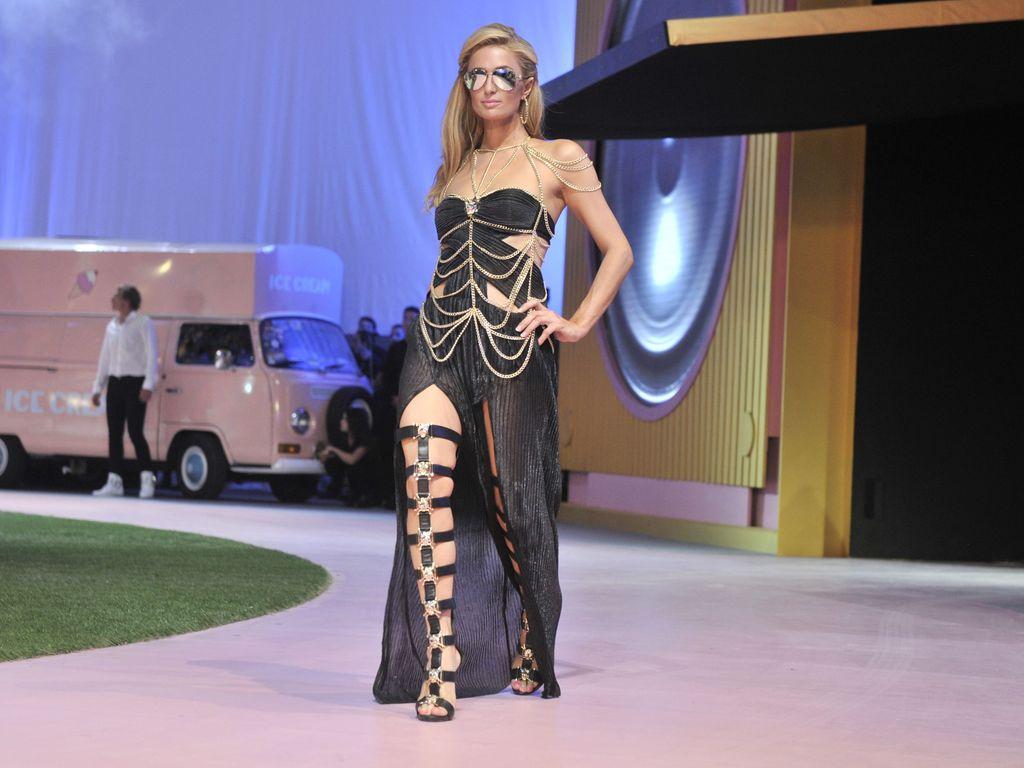 Paris Hilton auf dem Catwalk der Mailänder Fashion Week
