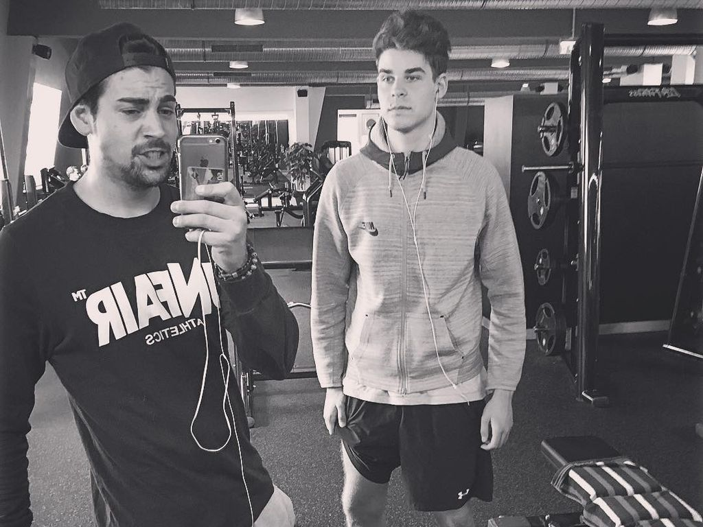 Patrick Cuninka und sein Bruder im Fitnessstudio