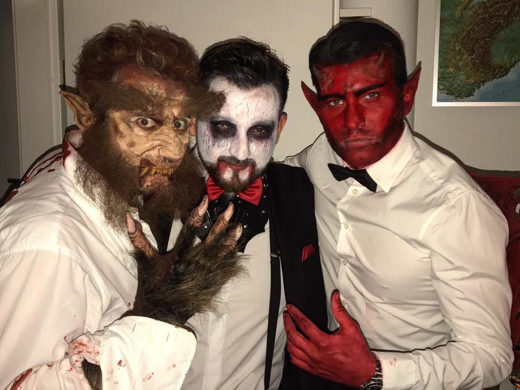 Raúl Richter und Freunde an Halloween (v.r.)