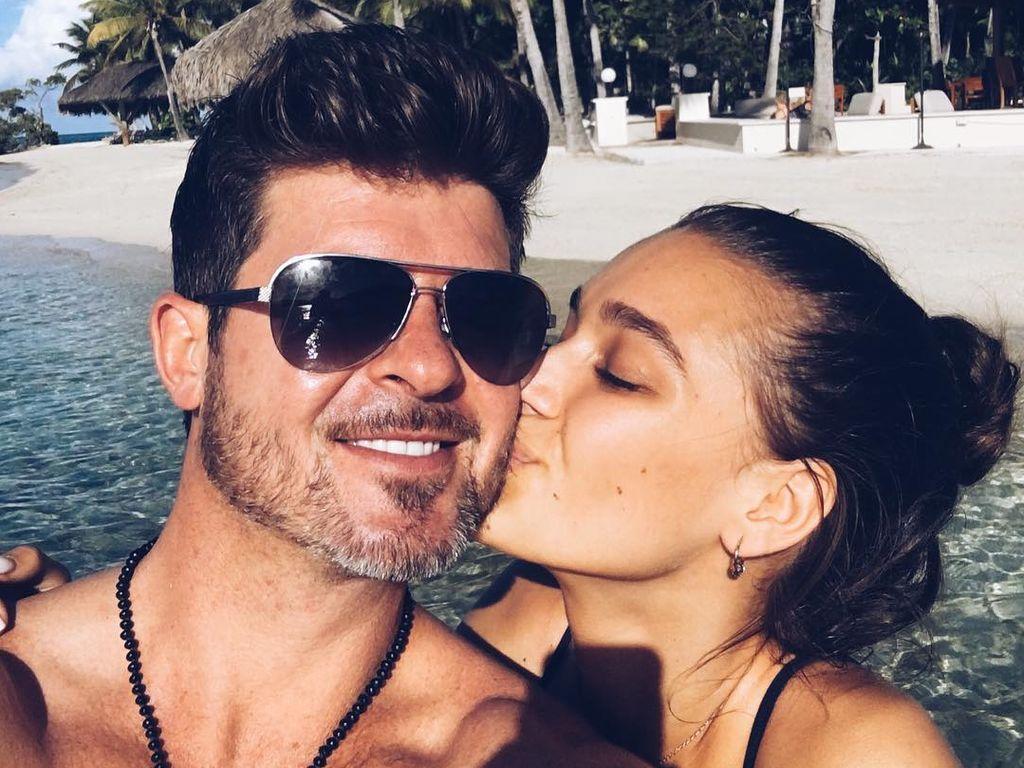 Robin Thicke und April Love Geary verliebt im Urlaub