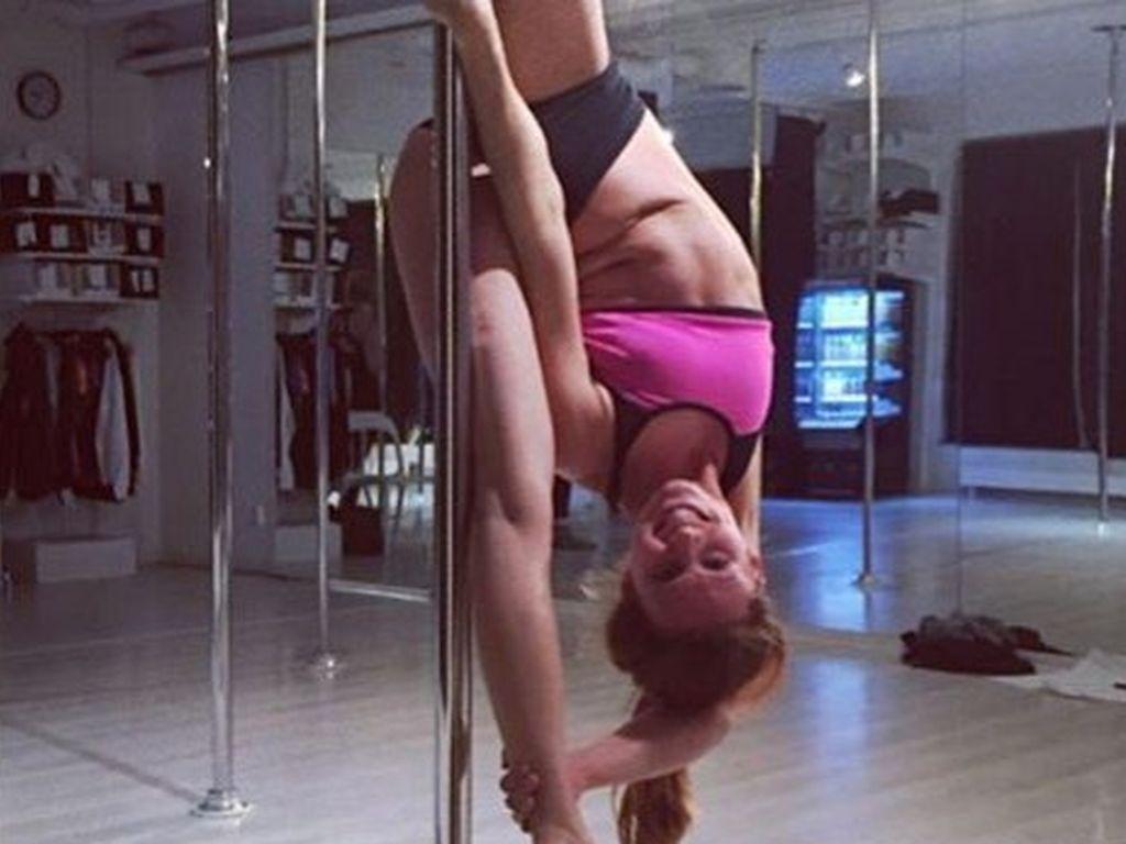 Sara Lumholdt, Poledance-Trainerin