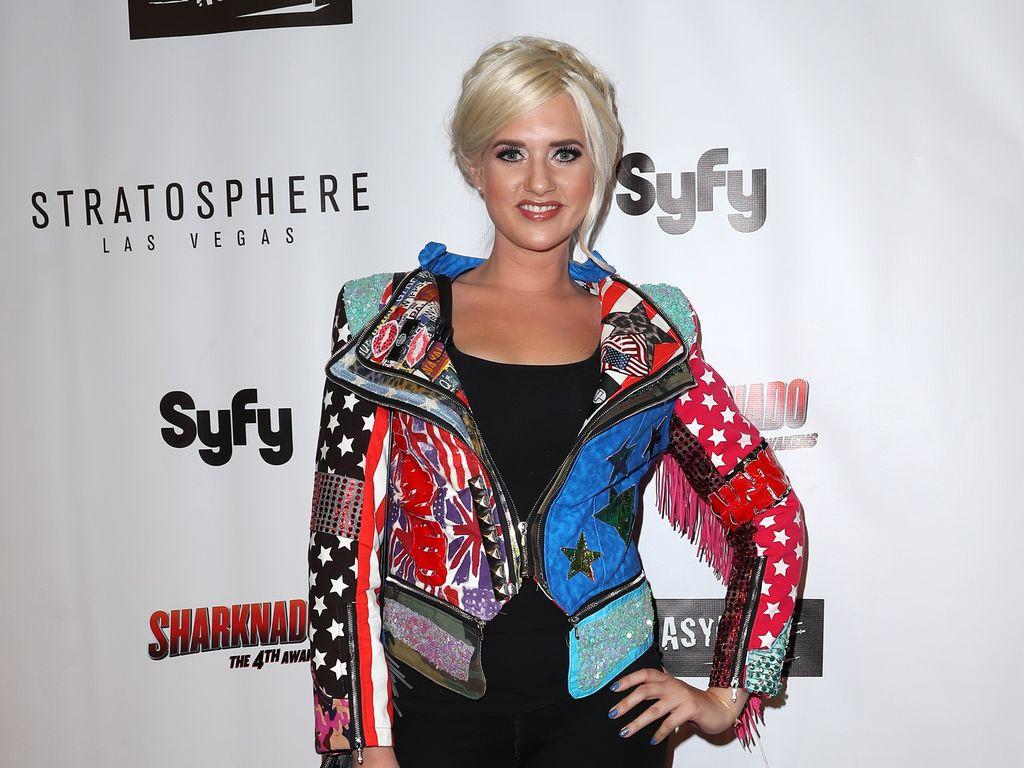 "Sarah Knappik bei der ""Sharknado""-Premiere in Las Vegas"
