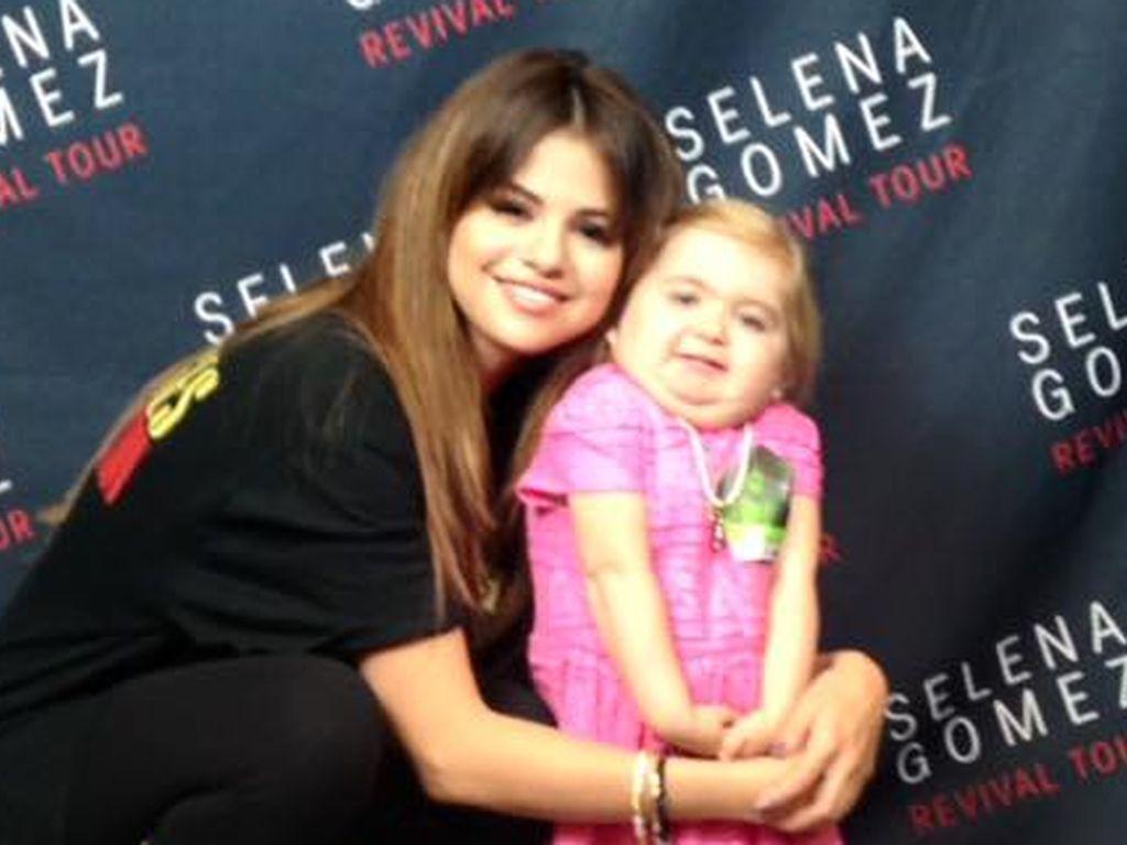 Selena Gomez mit der siebenjährigen, am Diamond-Blackfan-Syndrom leidenden, Audrey Nethery