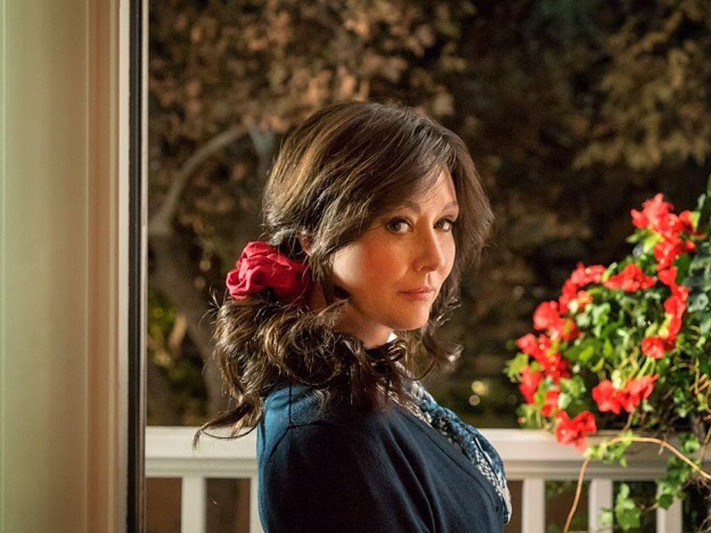"""Shannen Doherty im November 2016 bei Dreharbeiten zu der Serie """"Heathers"""""""