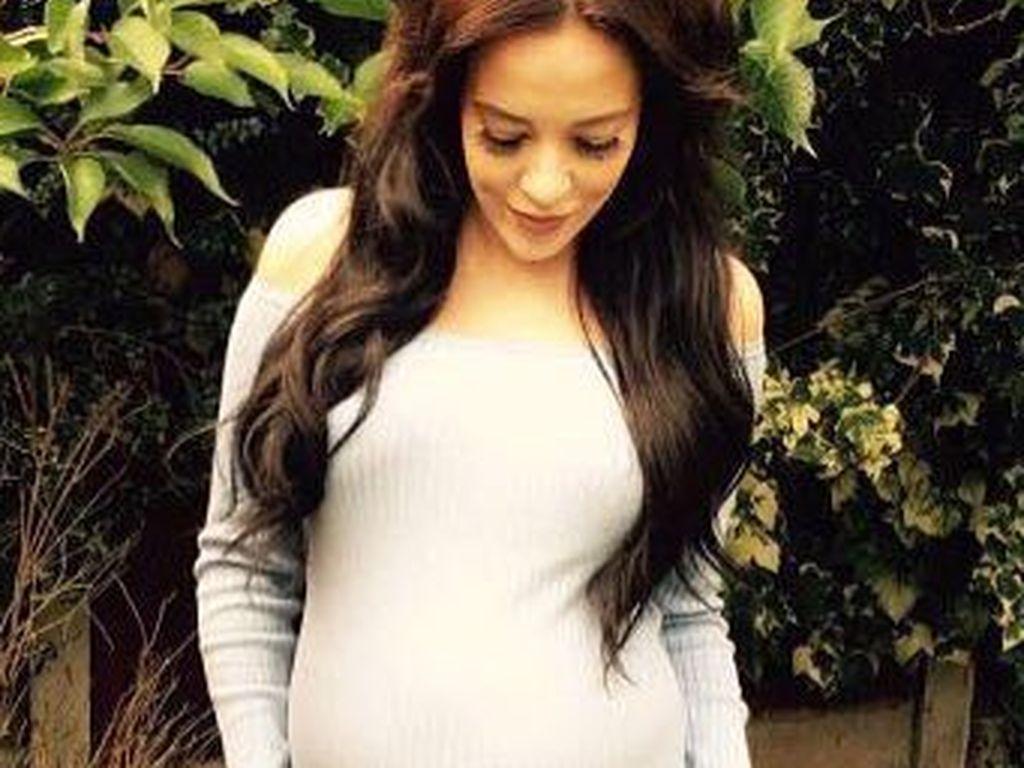 Stephanie Davis während ihrer ersten Schwangerschaft