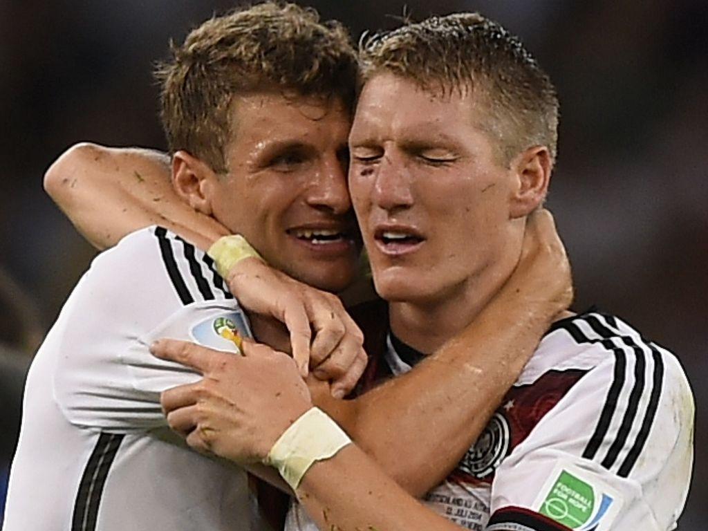 Bastian Schweinsteiger und Thomas Müller bei der EM 2016