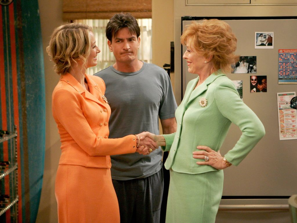 Charlie Sheen und Holland Taylor