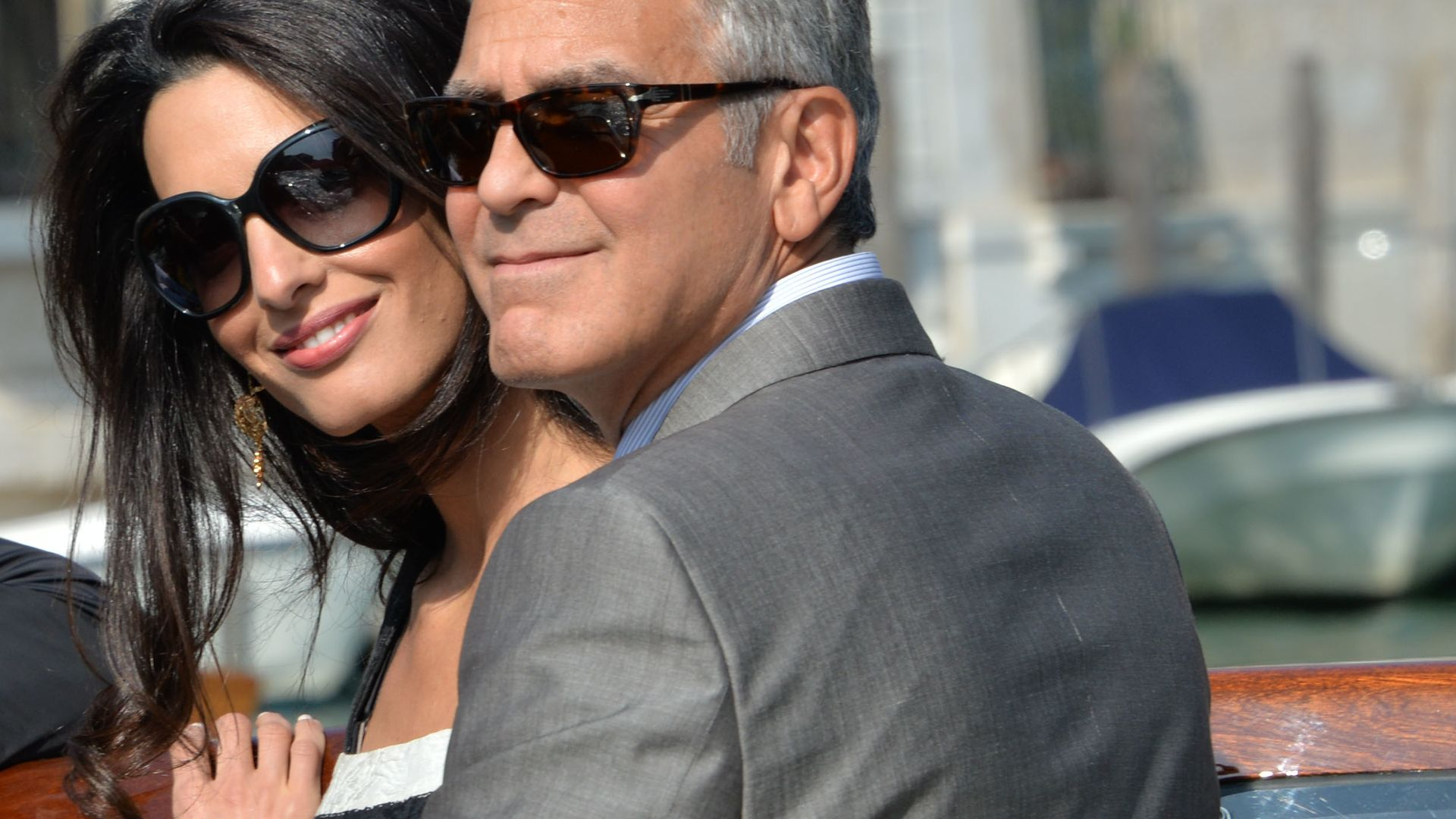erste fotos clooney amal sind schon in venedig. Black Bedroom Furniture Sets. Home Design Ideas