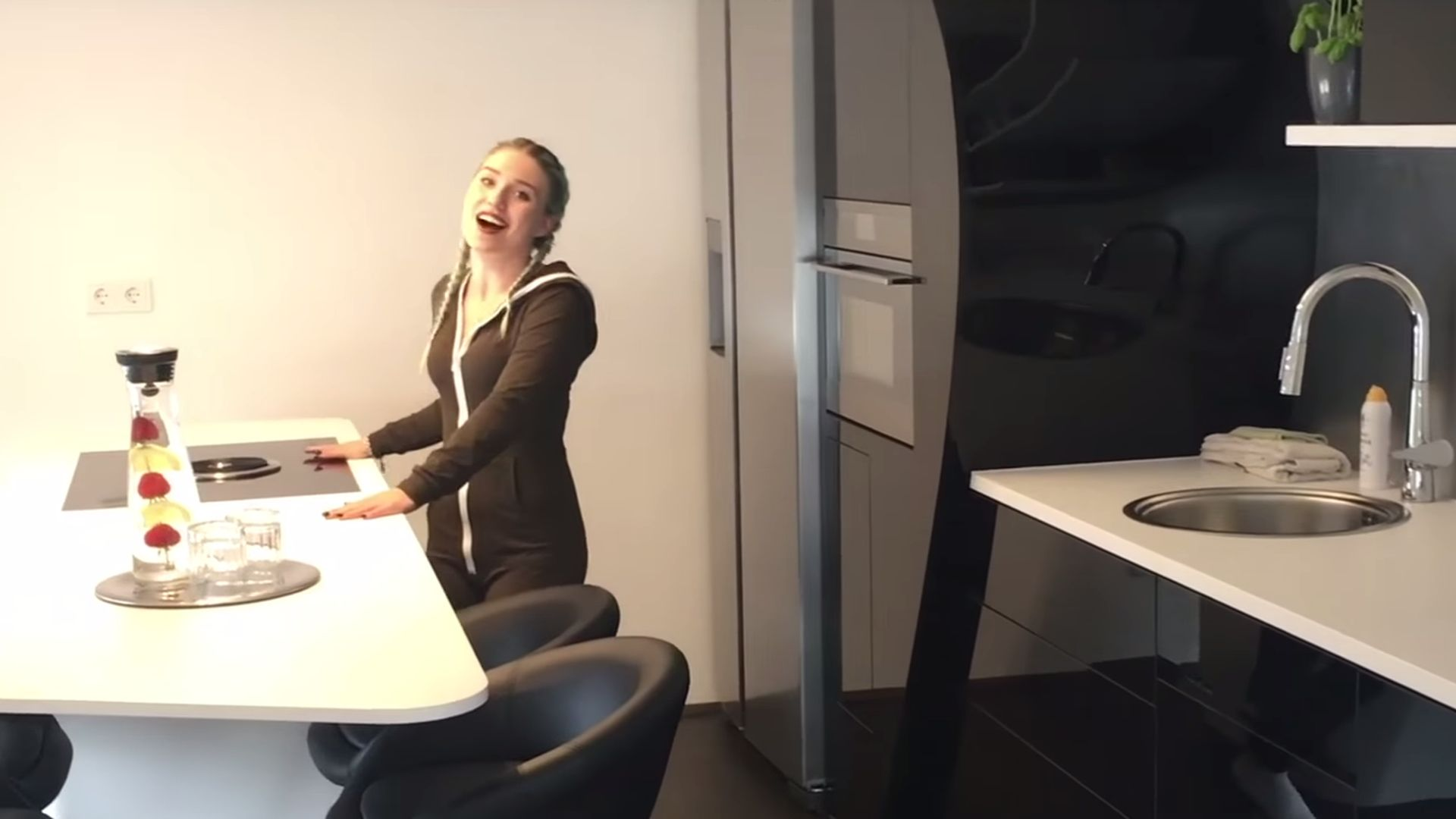 Protzige room tour so luxuri s wohnt youtube bibi - Youtube wohnung ...