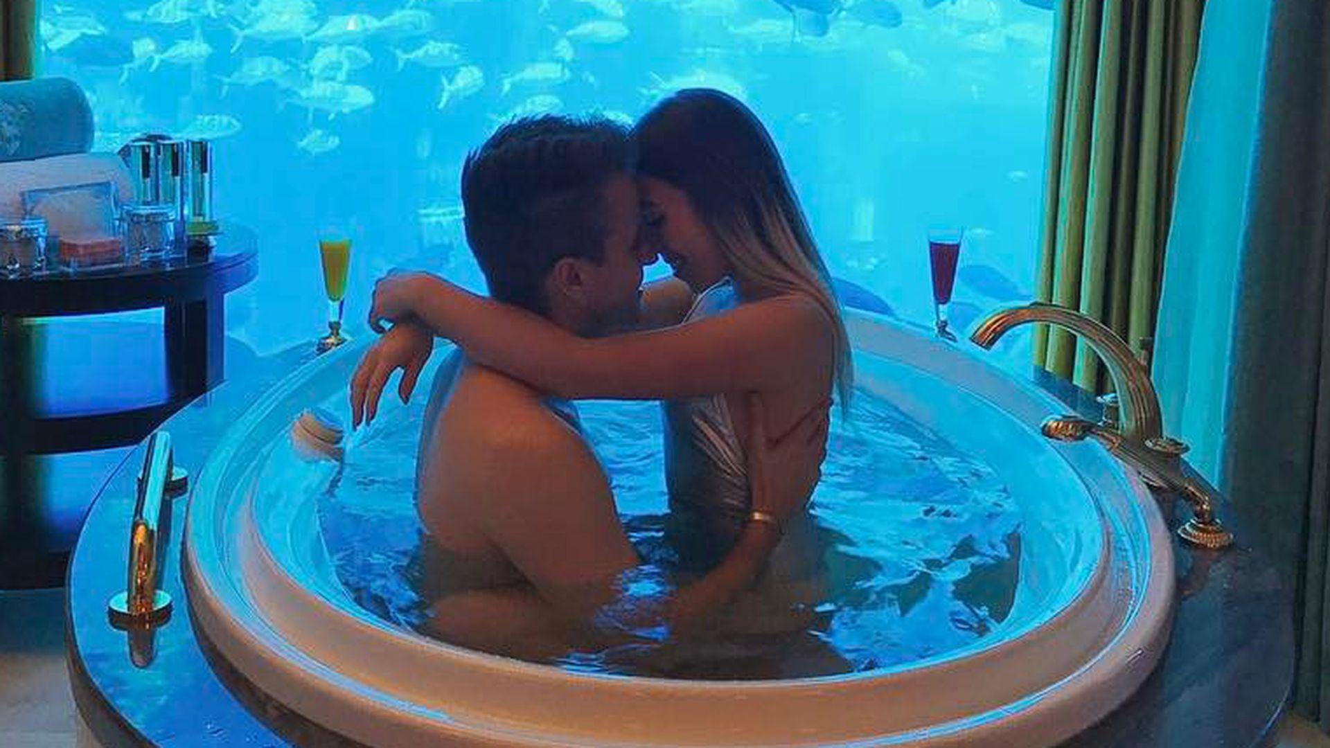 Sex in einem Pool Positionen