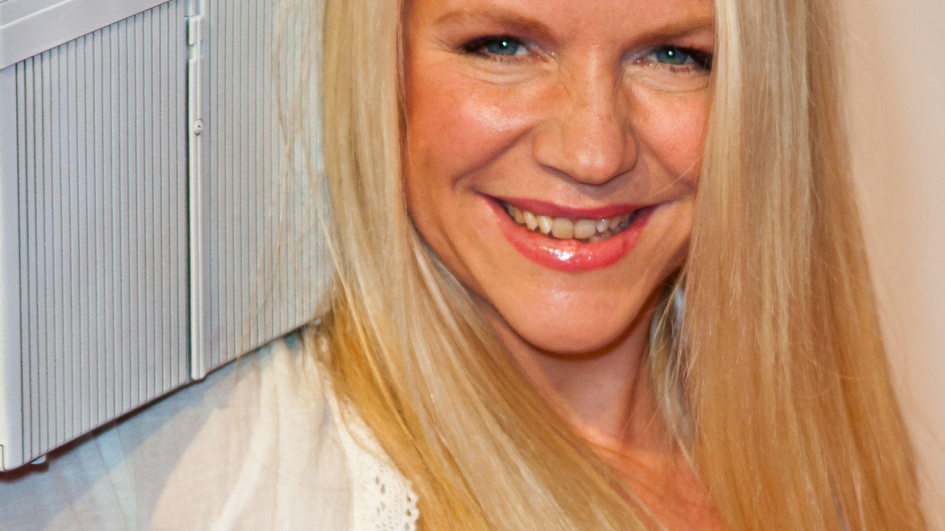 Charlotte Karlinder Zähne