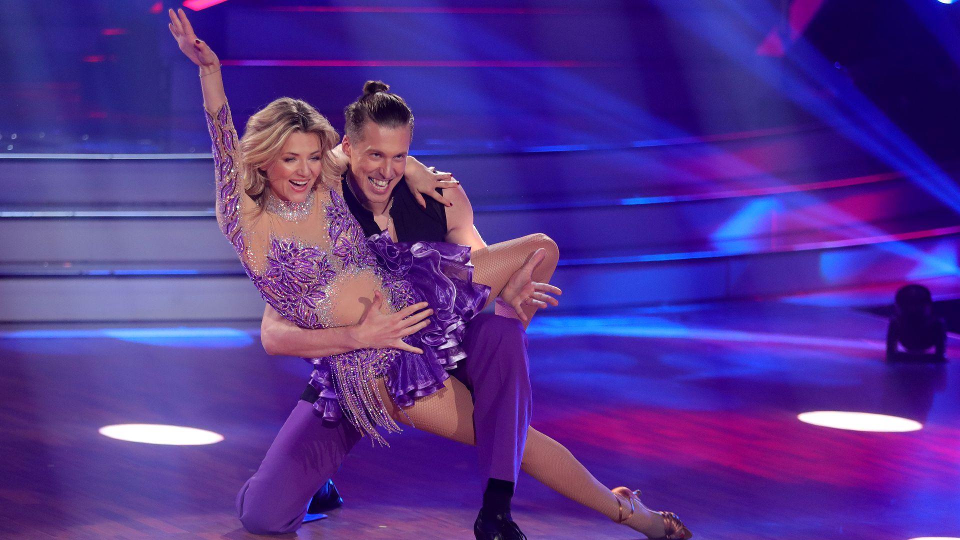 LetS Dance Ella Endlich